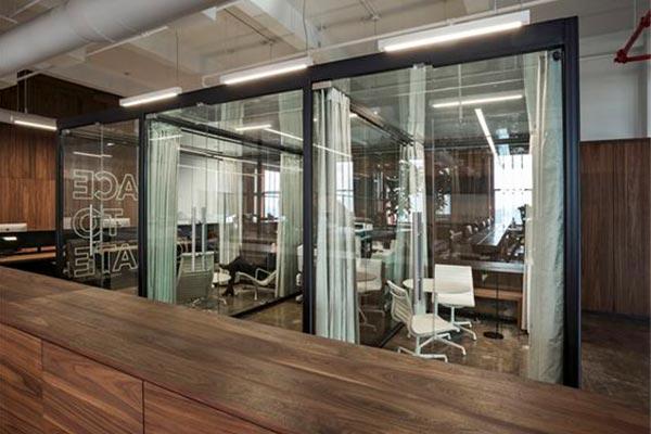 在济南办公室装修中有哪些方式可以增强企业形象