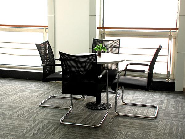 在办公室福建11选5助手时应该如何合理划分空间